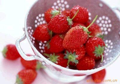 供应青岛果品加工-草莓 质量第一优质价廉