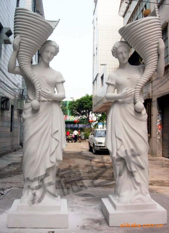 深圳市沃德多维艺术有限公司成立于2003年,公司位于中国南大门--深圳,具有得天独厚的地理条件,内可辐射全中国,外可直接面对香港、东南亚、欧美等国,目前公司下设业务部、设计部、雕塑部、生产部、工程部,样品间及办公面积200多平米,直属制做工厂两处,4000平米制作场地,具有专业的设计、雕塑、制作、安装人员,对客户进行设计、制作、安装一条龙服务,专业设计制作各种材质的圆雕、浮雕、罗马柱及各种艺术造型,材质包括聚氯乙烯泡沫、玻璃钢、仿砂岩、GRC、铸铜、锻铜、锻不锈钢,表面处理可做成白色、彩绘、仿铜、仿不锈钢
