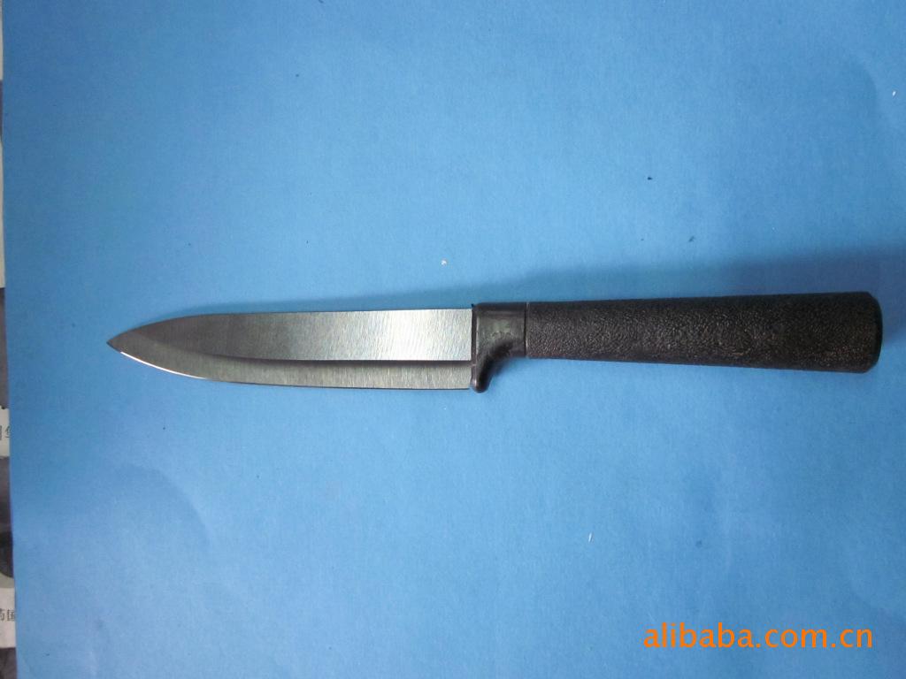 陶瓷刀:   使用精密陶瓷高压研制而成,故称陶瓷刀.又号称