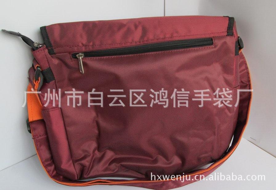 专业生产斜挎帆布休闲包 男士休闲单肩包 广州男士休闲包厂