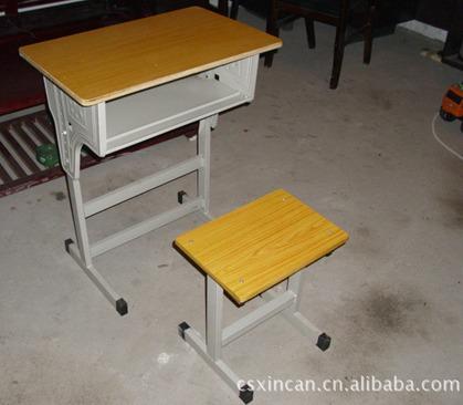 厂家长期大量供应学生课桌椅/学校课桌椅/儿童课桌椅/课桌