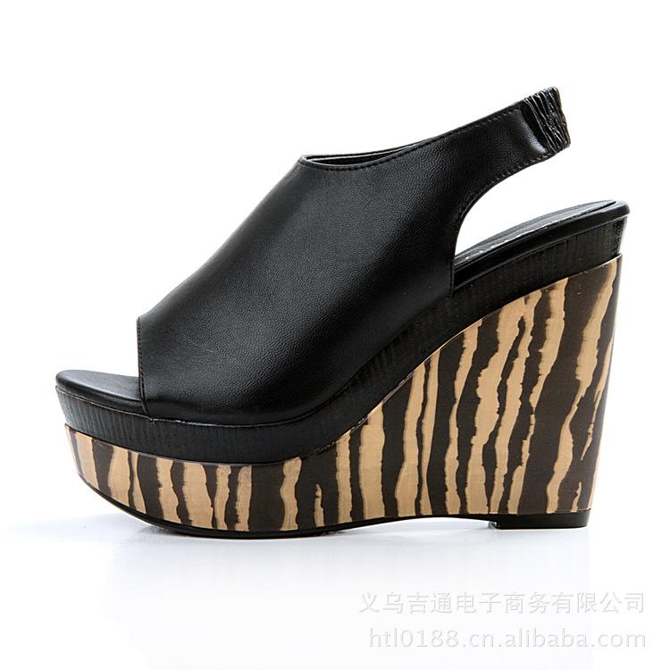 2012新款姐妹女鞋阳光坡跟鞋鱼嘴凉鞋外套针织连帽时尚男图片