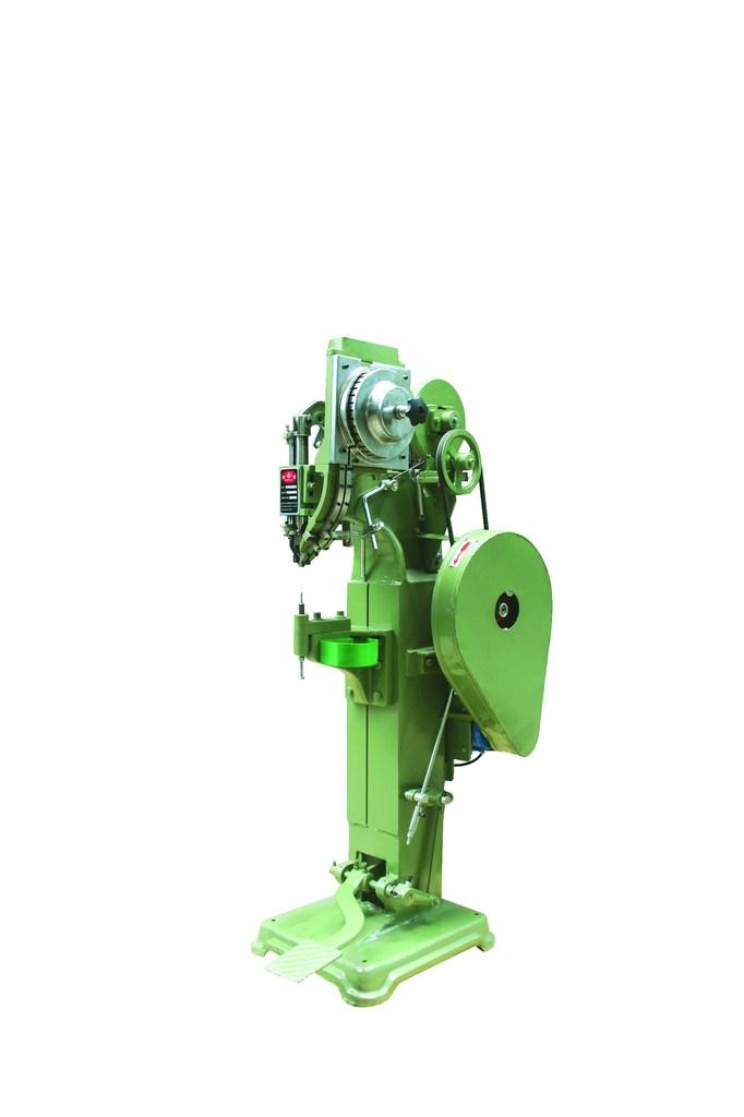 供应童车厂专用铆钉机、凉椅铆钉机、铆钉机冲头、筒灯铆钉机