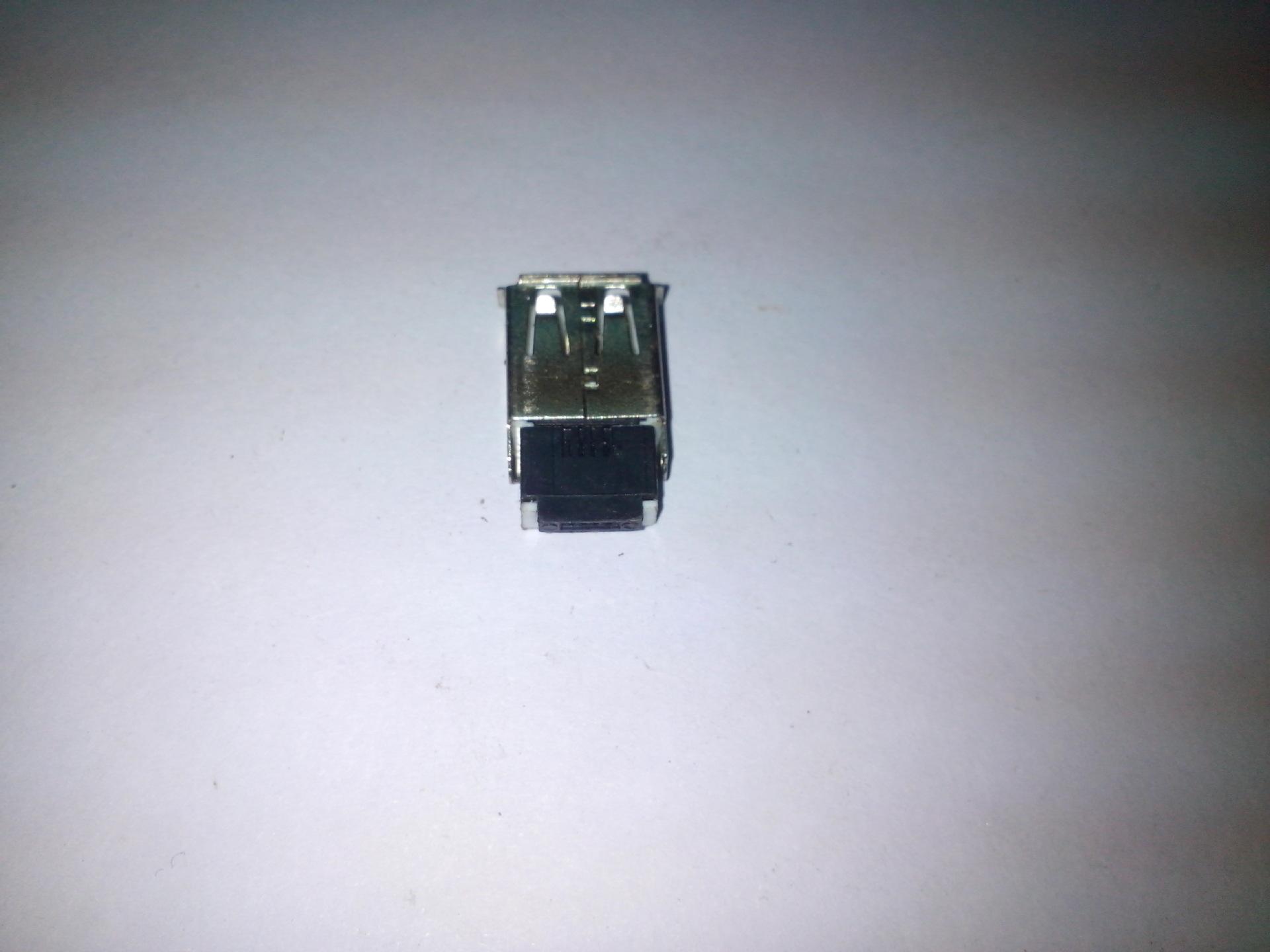 USB-A母组装件