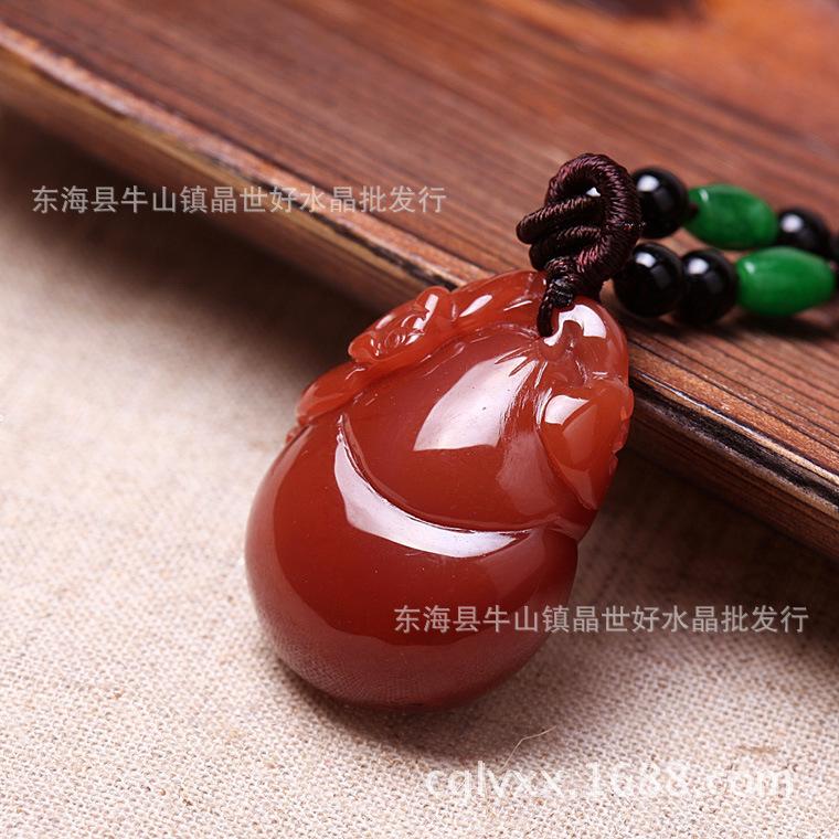 """自佛经传入中国后,翻译人员考虑到""""马脑属玉石类"""",于是巧妙地译"""