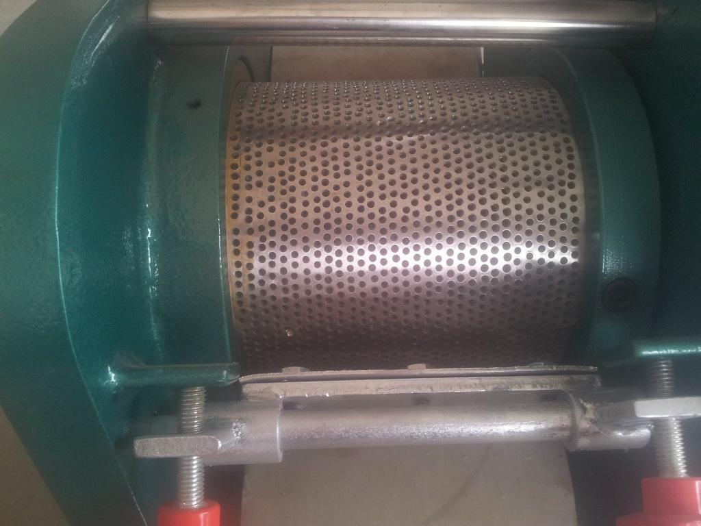 150型鱼肉去骨机鱼丸前期设备冷冻鱼类加工机械采肉机精滤