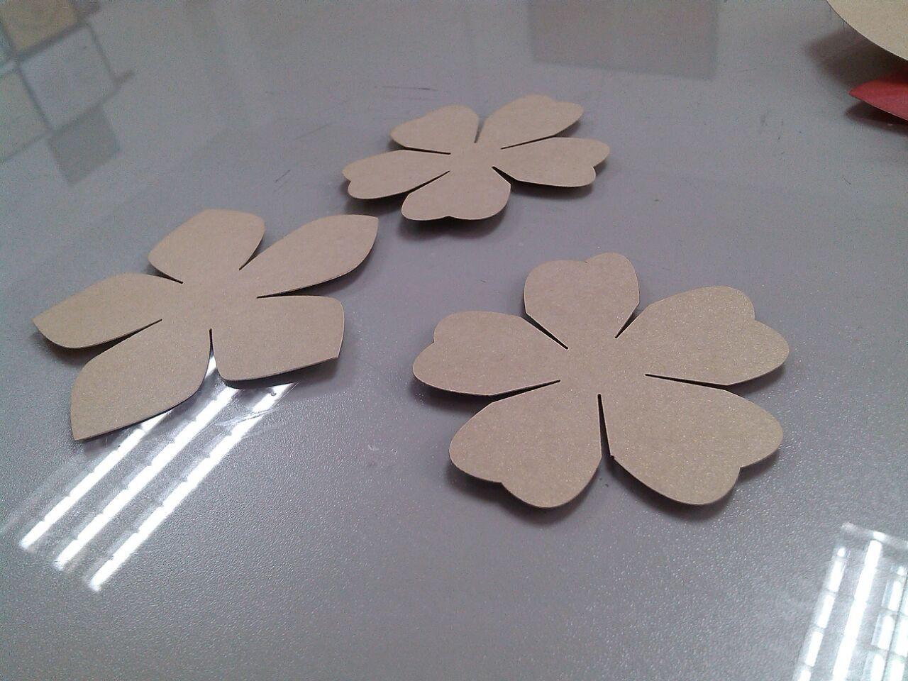 【供应 纸板纸花 纸箱装饰花 纸箱配件纸花 各种