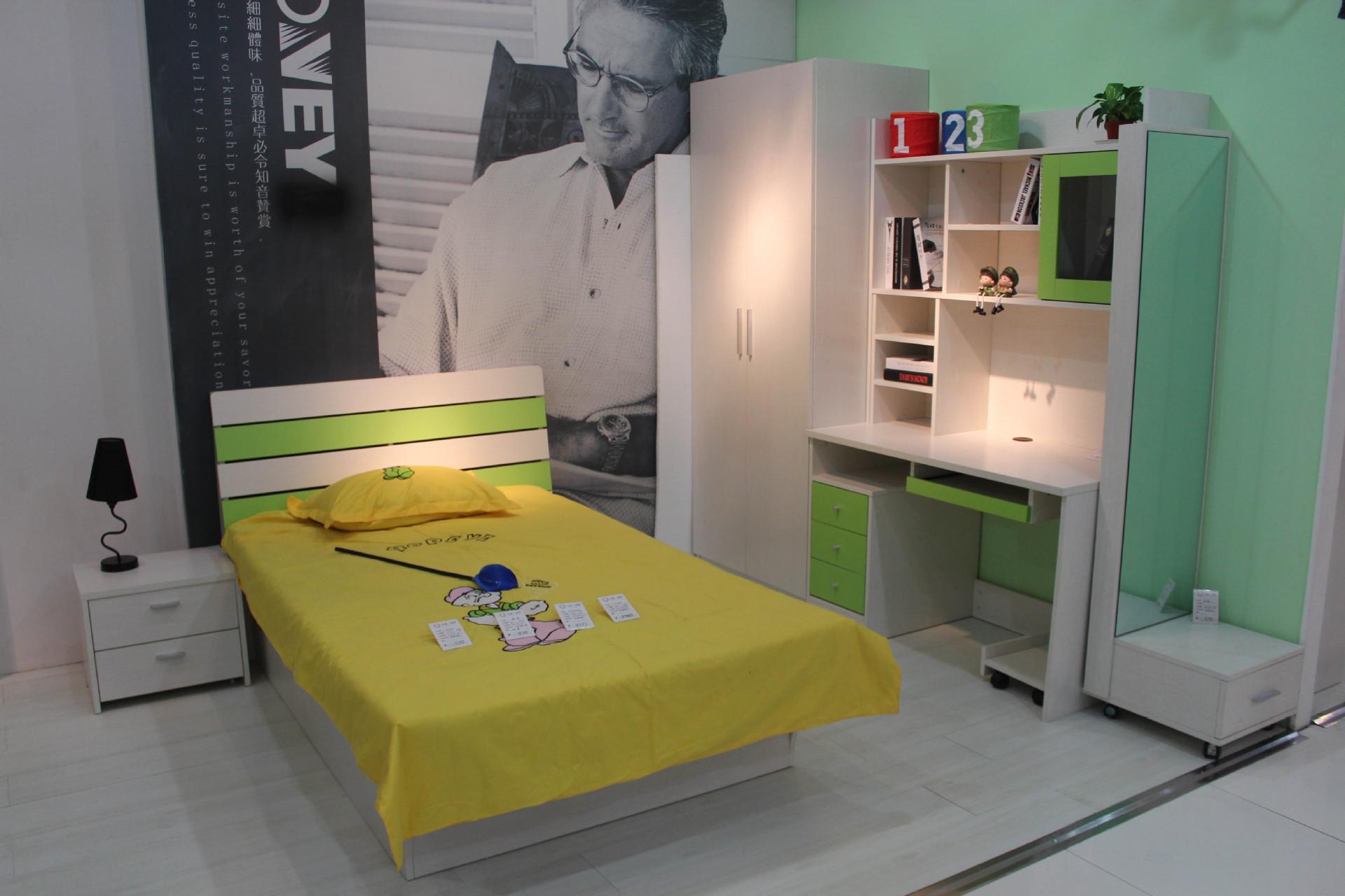 【北京板式套房家具厂双人床板式床现代简约台家具城小堡图片