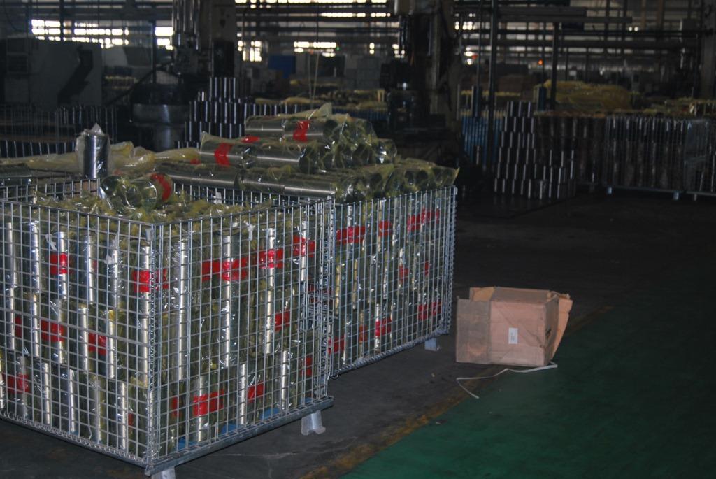 kms06519-汽车 工程机械 发电机组 船舶 油田 铁路 矿山 摩托车用的柴油机 发动机 缸套 气缸套 汽缸套 康明斯缸套 卡特气缸套 小松汽缸套 沃尔沃缸套的生产现场图片14