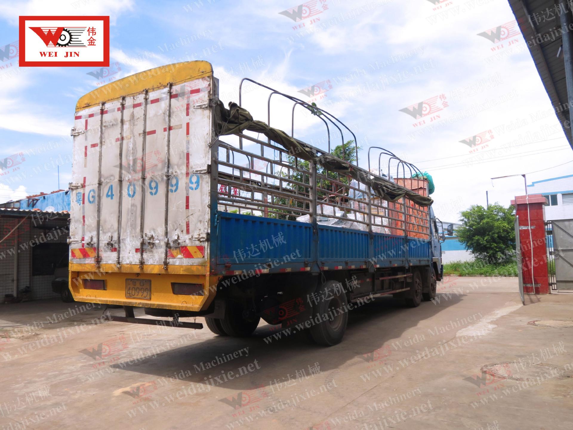 20140628海南打包机出货装车8